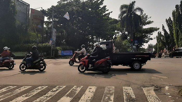Info Lalu Lintas - Simpang McD Sukahati Cibinong Pagi Ini Terpantau Ramai Lancar