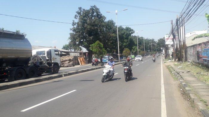 Lalu Lintas Jalan Raya Jakarta-Bogor Jelang Siang, Kawasan Sukaraja Ramai Tak Terhambat