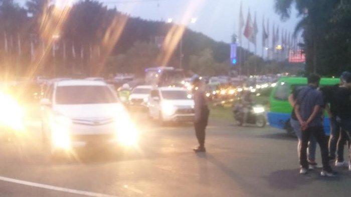 Longmarch Mahasiswa di Jalan Pajajaran, Lalu Lintas di Pintu Keluar Tol Bogor Padat Merayap
