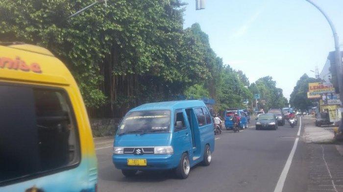 Lalu Lintas Jalan Raya Tajur Arah Ciawi Jelang Siang Ramai Lancar