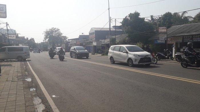 Lalu Lintas Kendaraan di Jalan KS Tubun Kota Bogor Jumat, 24 Juli 2020 Ramai Lancar