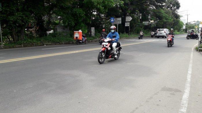 Lalu Lintas Kendaraan di Jalan Raya Jakarta - Bogor Kamis 26 Maret 2020