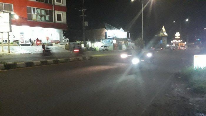 lalu-lintas-kendaraan-di-jalan-raya-jakarta-bogor-malam-ini123.jpg