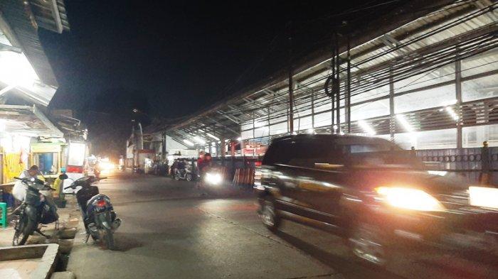 Kondisi Lalu Lintas Depan Stasiun Bojonggede Bogor Jumat Malam