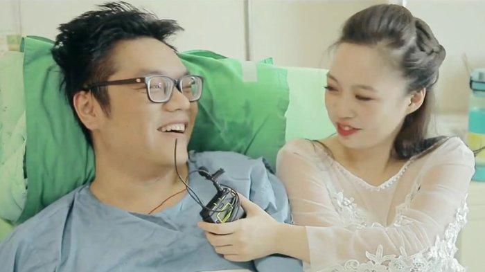 Sempat Putus, Wanita Ini Lamar Mantan Pacar Yang Amputasi Kakinya Karena Kecelakaan, Romantis !