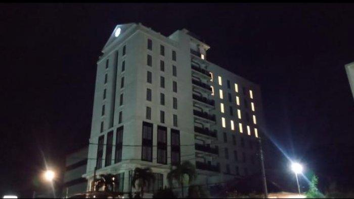 Ajak Tetap Ikhtiar dan Tawakal saat Wabah Covid-19, Savero Hotel Nyalakan Lampu Bentuk Lafadz Allah