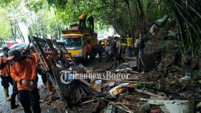 Ratusan Lapak PKL di Bogor Utara Dibongkar, Petugas Bawa Alat Berat