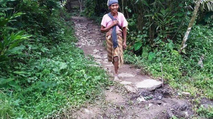 Warga Heboh Saksikan Kobaran Api Muncul dari Retakan Tanah Longsor di Banjarnegara