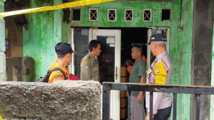 BREAKING NEWS - Tanah Longsor Satu Keluarga di Bogor Tewas Tertimpa Bangunan