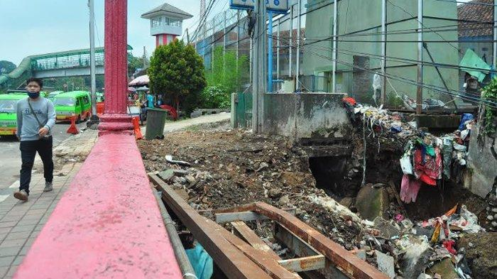 Longsor Di TPS Jembatan Merah, Camat Kordinasi Dengan PUPR untuk Cek Kondisi Jembatan