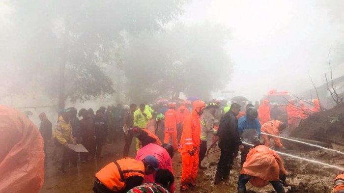Cuaca Ekstrem, Kawasan Cisarua Puncak Bogor Dilanda Longsor dan Angin Ngamuk, Tak Ada Korban Jiwa