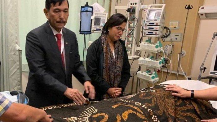 Menko Luhut Binsar Panjaitan Beri Penghormatan Terakhir kepada Almarhumah Ani Yudhoyono