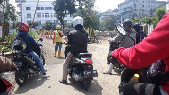 Jembatan Darurat di Paledang Bogor dalam Perbaikan, Lalu Lintas Buka Tutup
