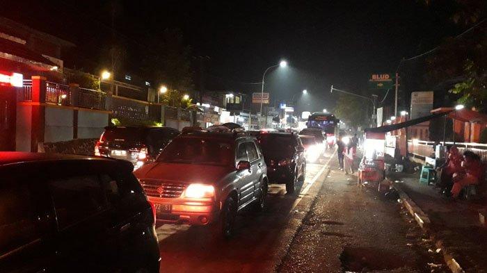 Macet di Sukabumi, Cigombong - Pelabuhan Ratu 9 Jam