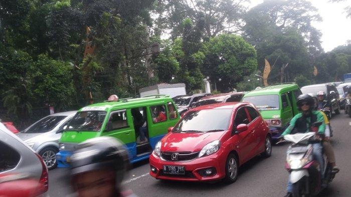 INFO LALU LINTAS : Hindari Jalan Pajajaran Bogor, Macet Jelang Tugu Kujang
