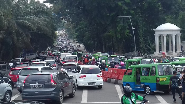 Libur Akhir Pekan 16 ribu Kendaraan Masuk Bogor, Jalur SSA Macet Parah