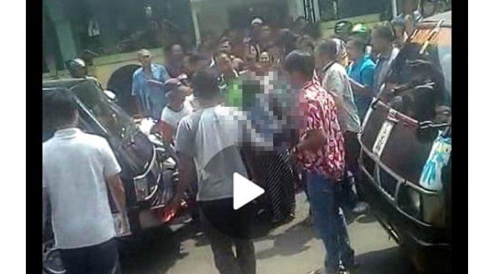 Beredar Video Mahasiswa Mesum Di Masjid Diarak Warga, Polisi Ingatkan Hukum Menelanjangi Pelaku