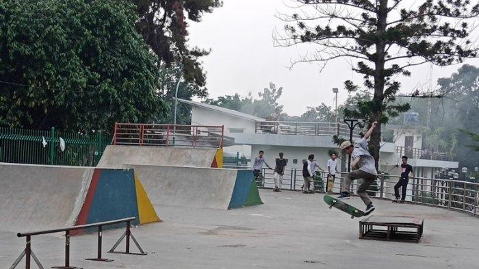 Komunitas Pemda Skateboarding, Main Skateboard di Lapangan Tenis kini Pindah ke Plaza Cibinong Bogor