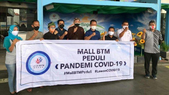 Mal BTM salurkan paket sembako bantu masyarakat yang terdampak pandemi Covid-19.