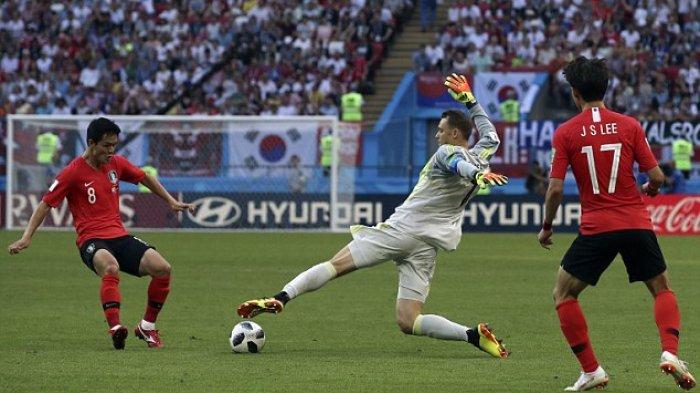 Blunder 'Bantu' Cetak Gol, Akun IG Kiper Jerman, Manuel Neuer Diserbu Netizen Korea Selatan