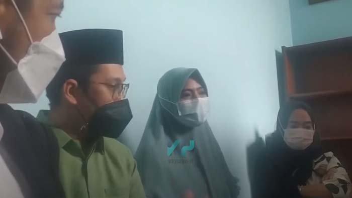 Bantah Incar Harta Ayah Taqy Malik, Istri Siri Sindir Ucapan Manis Suami : Dia Janjikan Agama