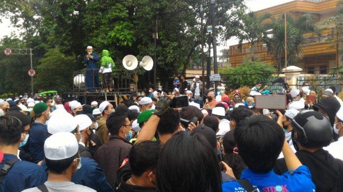 Gelar Demo di DPRD Kota Bogor, Massa Aksi Sampaikan Mosi Tidak Percaya