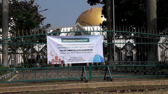Masjid Agung Baitul Faidzin Cibinong, Kabupaten Bogor tidak menggelar salat sunat Idul Adha 1442 Hijriah, Selasa (202/7/2021).