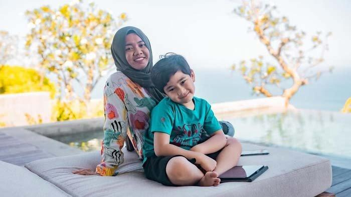 Cerita Mba Lala Rawat Rafathar yang Positif Covid, Tetap Negatif Meski Tak Pakai APD : Pasrah