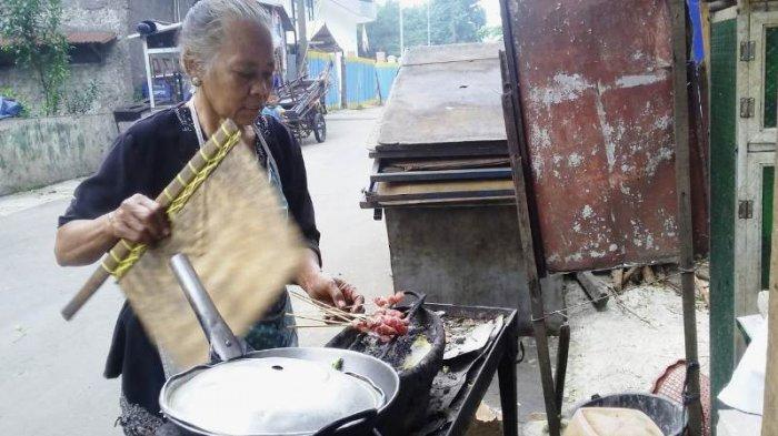 Cerita Mbok Yu Yem, Penjual Sate dan Tongseng Kambing di Bogor Langganan Paspampres