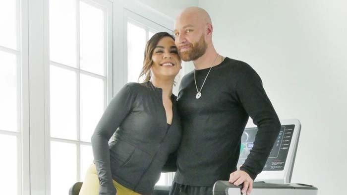 Terancam Cerai dengan Melaney Ricardo Setelah 11 Tahun Menikah, Tson Lynch : Doain Saya dan Istri