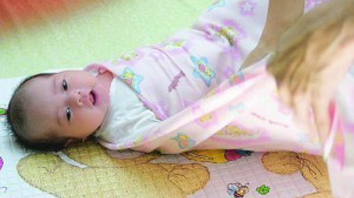 Mata Bayi Berair Tapi Bukan Menangis, Ini Penyebab dan 3 Tips Pencegahannya