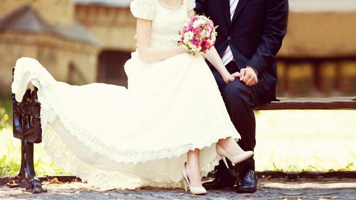 Arti Mimpi Menikah dengan Orang Tak Dikenal hingga Sahabat, Pertanda Jodoh Tak Terduga?