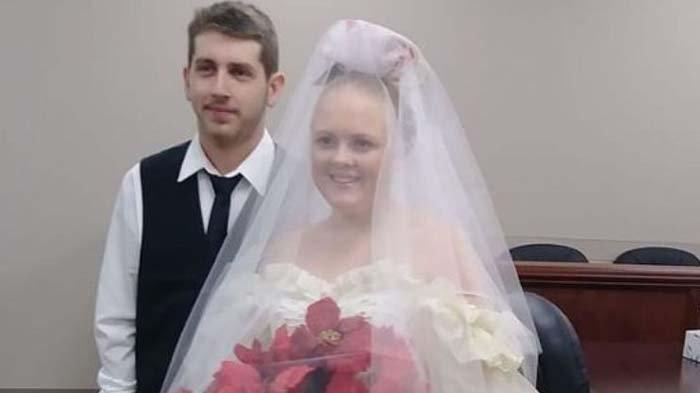 Kisah Pilu Baru 5 Menit Resmi Menikah, Pasangan Ini Tewas dalam Kecelakaan Mobil