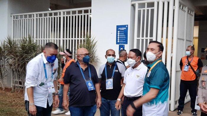 Tinjau Langsung Liga 1 2021 di Stadion Pakansari Bogor, Menpora Apresiasi Komitmen Suporter