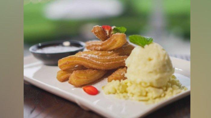 Resto Raasaa yang berlokasi di Kebun Raya Bogor menyediakan beragam menu.