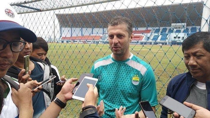 Pelatih Persib Pasang Ancang-Ancang Jelang Kontra Arema FC di 16 Besar Piala Indonesia