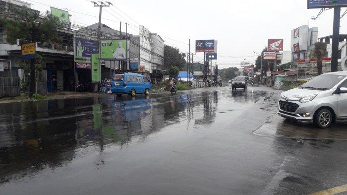 Info Lalu Lintas - Arus Kendaraan di Jalan KS Tubun Kota Bogor Ramai Lancar