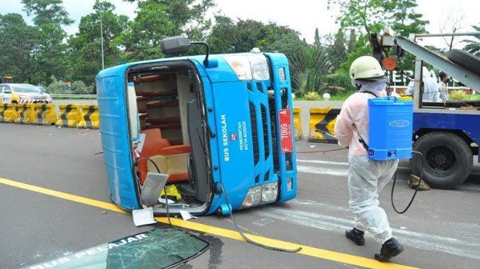 Bus Pembawa Pasien Covid-19 Kota Bogor yang Kecelakaan di Tol Jagorawi Diduga Akibat Kelalaian Sopir