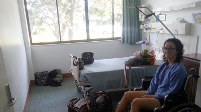 Bangun Tidur Siang, Wanita Berusia 24 Tahun Ini Lupa Caranya Berjalan