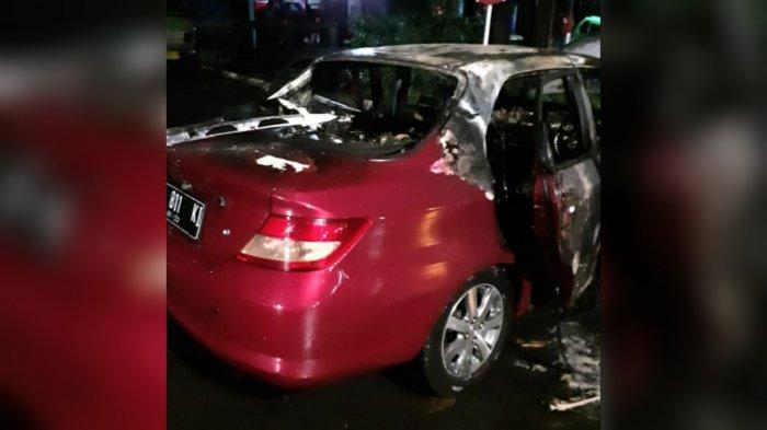 Mobil Honda City di Kota Bogor Mendadak Terbakar, Seluruh Body Nyaris Hangus
