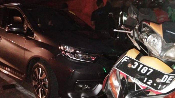 Oleng, Mobil Tabrak Pedagang Kaki Lima di Jalan Sudirman Bogor