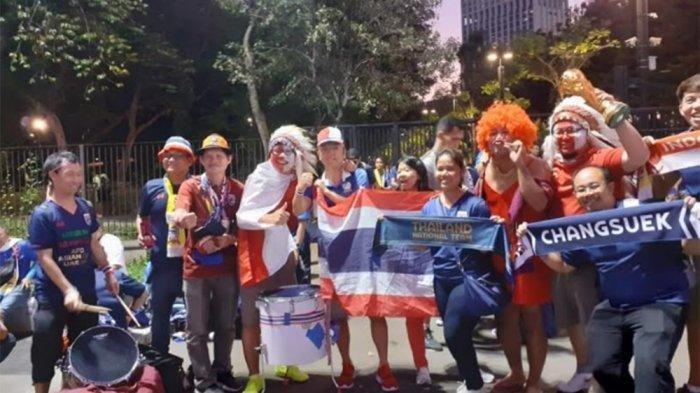 Kedatangan Suporter Thailand Disambut Baik Suporter Timnas Indonesia