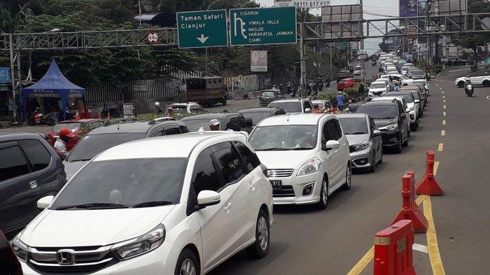 Arus Balik Libur Panjang Puncak Bogor Padat, Polisi Berlakukan Sistem Satu Arah ke Jakarta