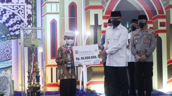Wali Kota Bogor, Bima Arya membuka Musabaqoh Tilawatil Quran (MTQ) ke-40 tingkat Kota Bogor 2021 yang digelar di Gedung PPIB, Jalan Pajajaran, Kota Bogor, Rabu (15/9/2021).