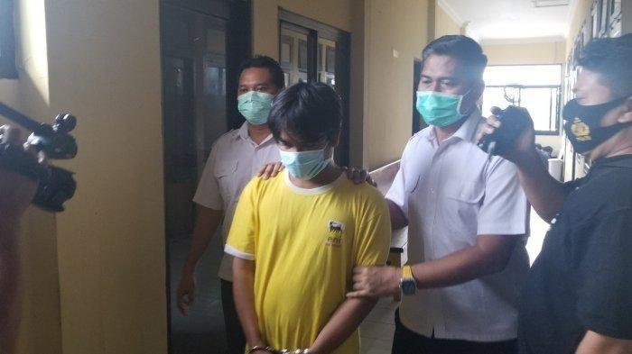 Akui Plong Setelah Bunuh Bosnya, Pemuda Ini Cengegesan Saat Diperiksa: Senyum Itu Ibadah Bang