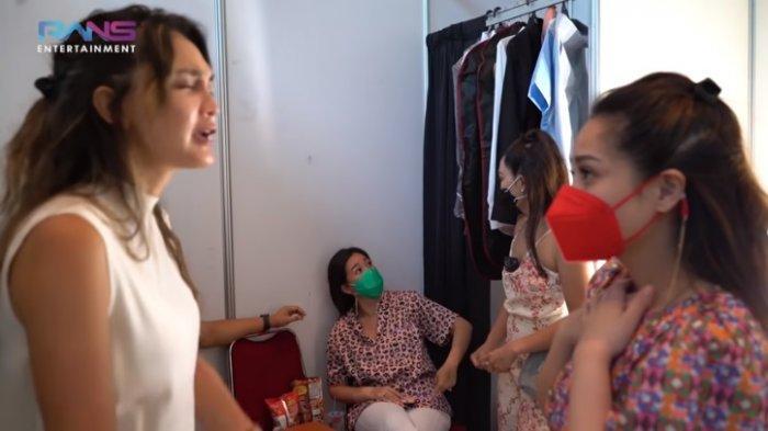 Kepanikan Nagita Slavina Saat Luna Maya Batuk di Ruang Artis, Ayu Dewi : Suntik Vitamin Deh