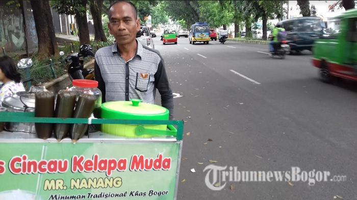 Masih Ingat Mr Nanang si Tukang Es Cincau yang Menguasai Tiga Bahasa Asing? Ini Kondisinya Sekarang