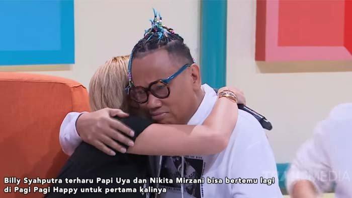 Uya Kuya menangis saat peluk Nikita Mirzani