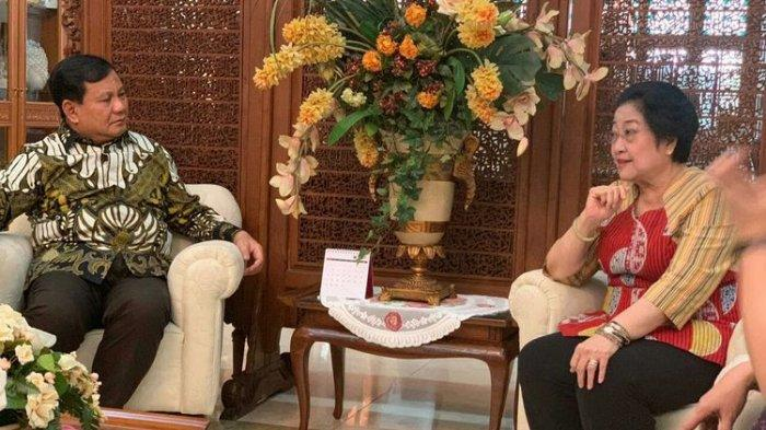 Megawati : Sebaiknya Mas Bowo Ngomong Sendiri Sama Pak Jokowi