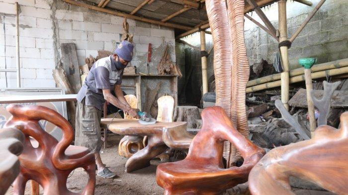 Produksi Perabot Interior, Naufal Art Usung Konsep Furniture by Nature